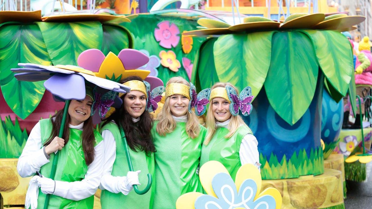 Parade Flower Girls